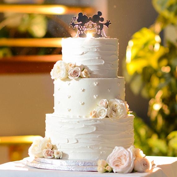 Wedding Cake Wednesday Minnie Mickey Kisses Disney Weddings