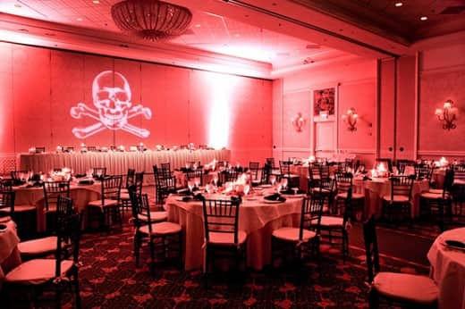 Arrgh Matey Have A Pirate Themed Wedding No One Will Forget